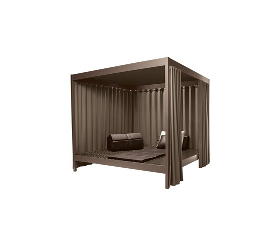 City Camp Daybed with roof di DEDON | Sedute ad isola