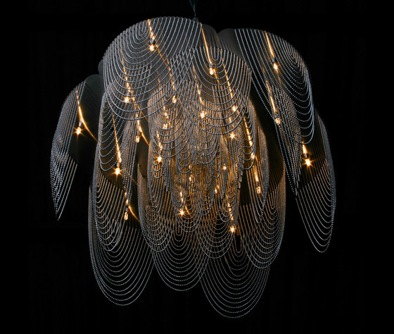 Rose - 700 - suspended - looped by Willowlamp | Chandeliers