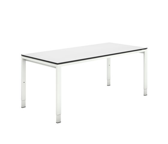 D1 Four-leg table by Denz | Individual desks