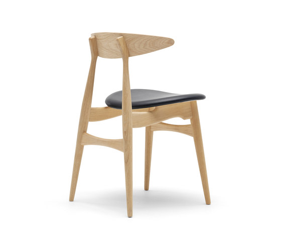 CH33 by Carl Hansen & Søn | Restaurant chairs