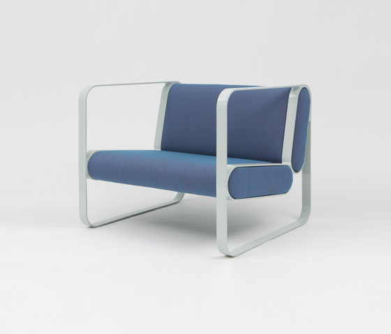 Ova Easy Chair by STILTREU | Lounge chairs