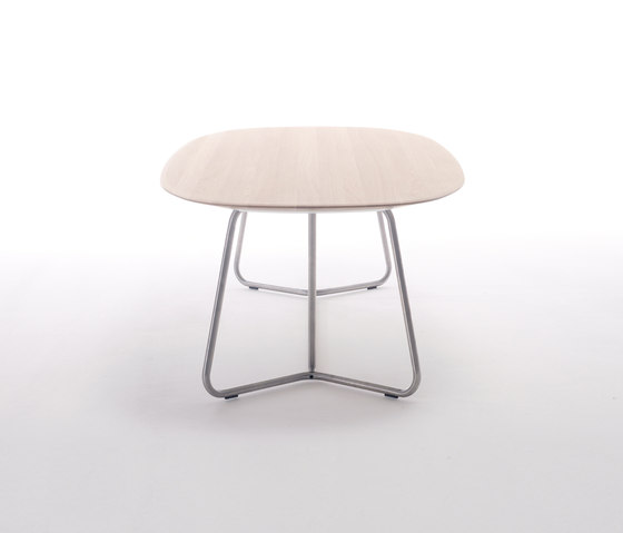 Transit by Arco | Restaurant tables