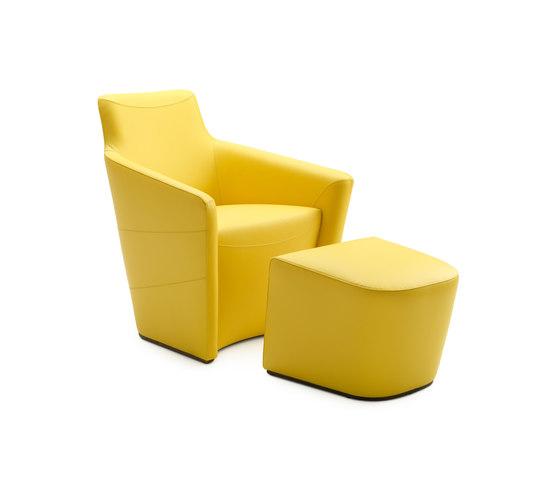 Fiji Armchair with Footstool de Leolux | Sillones