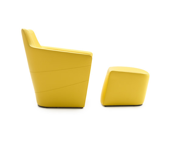 Fiji Armchair with Footstool by Leolux | Armchairs
