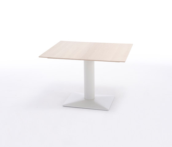 Leaf by Arco | Restaurant tables