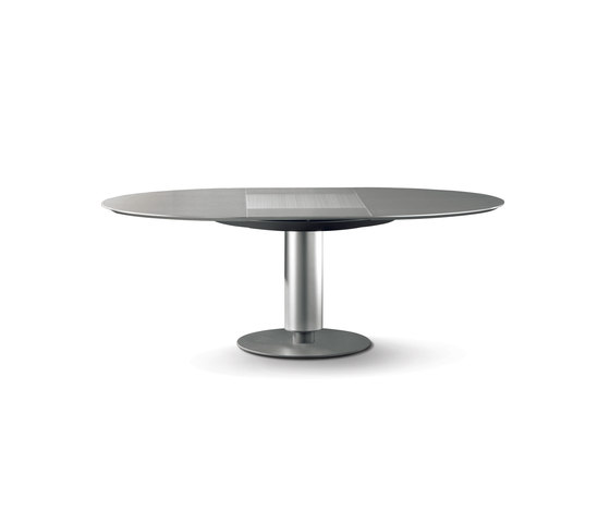 Calbulco Table by Leolux | Dining tables