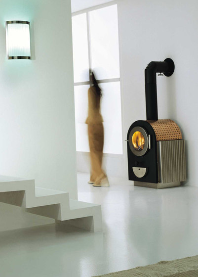Hublot by antrax it | Wood burning stoves