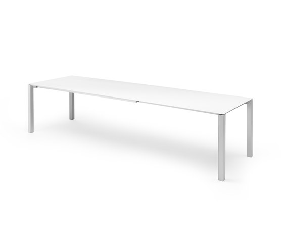 Strabo by Leolux | Dining tables