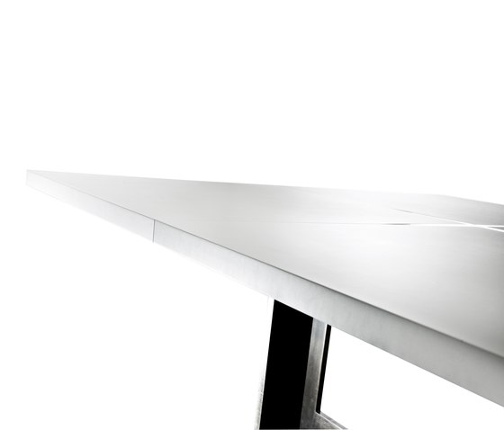 PLUStable by steininger.designers | Meeting room tables