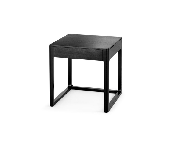 Side table with drawer de Wittmann | Mesas auxiliares