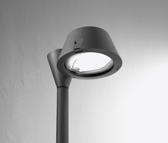Lester single light fitting by Arcluce | Street lights