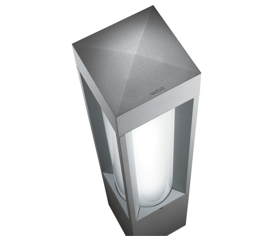 Quadrio 180 full light - with opalescent diffuser de Arcluce | Bolardos de luz