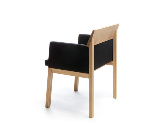 Seminar JRT2 Meeting chair by Nikari | Visitors chairs / Side chairs