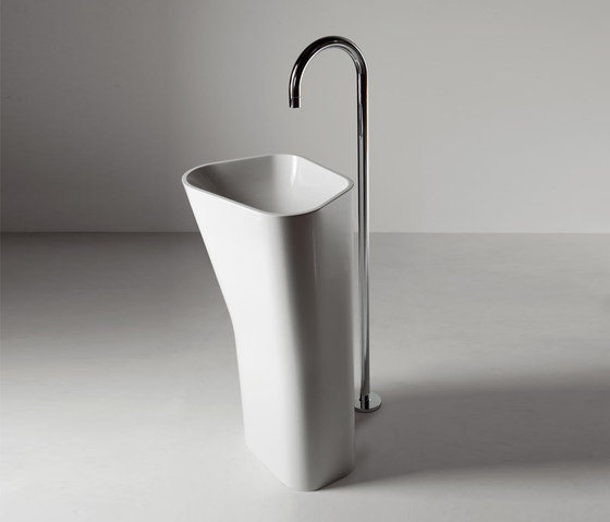 Lab 01 free standing by Kos | Wash basins