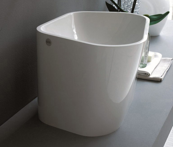 Lab 01 sit-on 300 by Kos | Wash basins