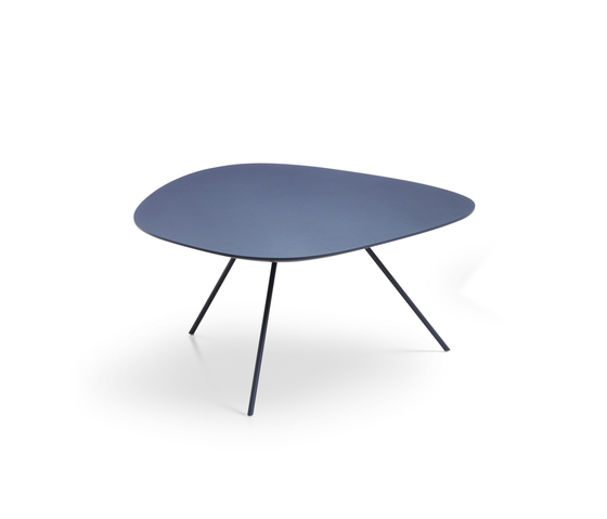 Liliom by Leolux | Coffee tables