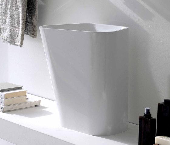 Lab 01 sit-on 500 by Kos | Wash basins