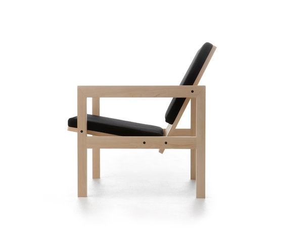 Arkitecture YKA2 Lounge chair de Nikari | Fauteuils d'attente