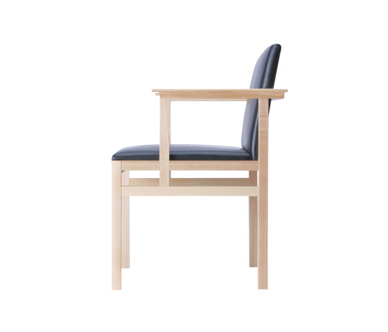 Grand Lee Wise armchair by Ritzwell | Chairs