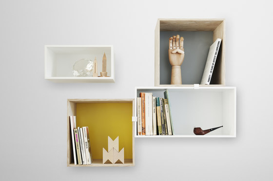 Mini Stacked Shelf Systems* von Muuto | Regale