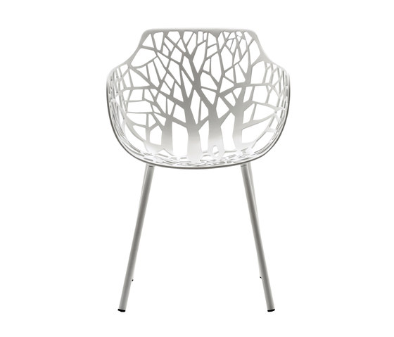 Forest armchair by Fast | Restaurant chairs