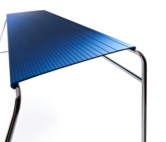 Estrosa Bench by ALMA Design | Garden benches