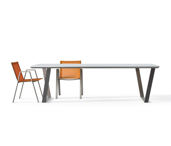 Cicada table by Metalco Home | Dining tables