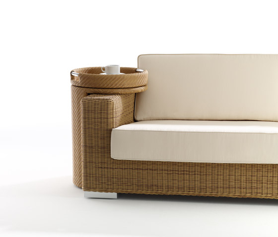 Combi high round table with tray by Point   Side tables