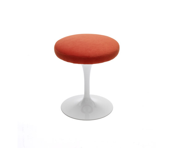 Saarinen Tulip Stool by Knoll International | Poufs