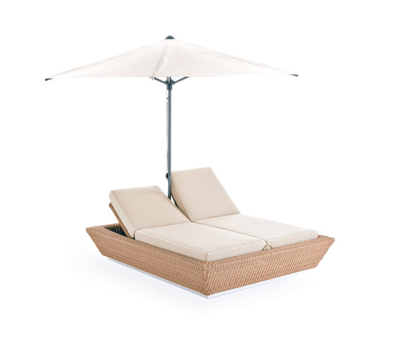 Zoe sun bed with umbrella by Point | Sun loungers