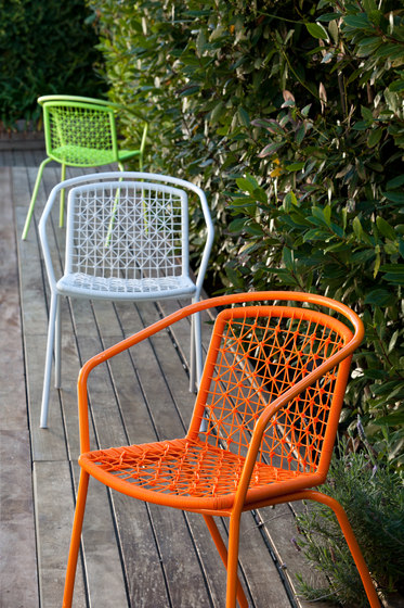 Colors armchair by Point | Garden chairs
