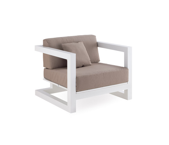 Weekend armchair by Point | Garden armchairs
