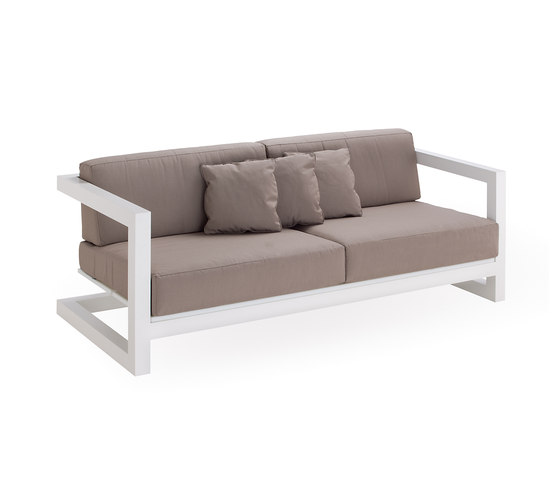 Weekend sofa 3 by Point | Garden sofas