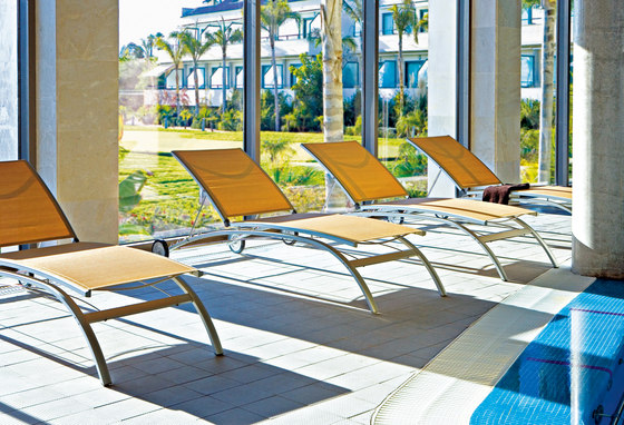 Avantgarde sun bed di Point | Lettini giardino