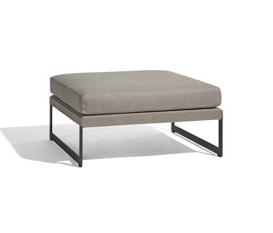Squat medium footstool/sidetable di Manutti | Pouf