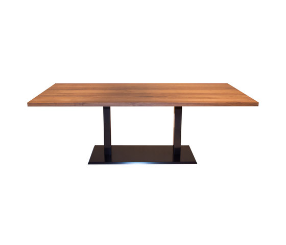 Madeira Dining table by Accente | Restaurant tables