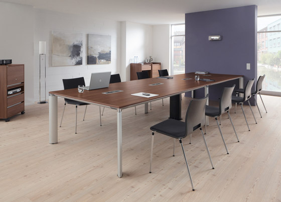 P.A.L.M.A. by PALMBERG | Individual seminar tables
