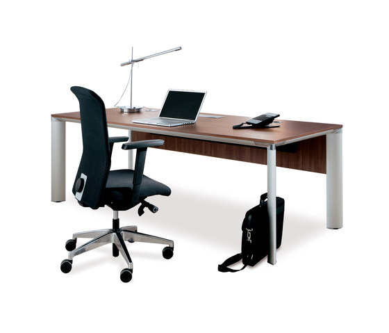 P.A.L.M.A. by PALMBERG   Individual desks