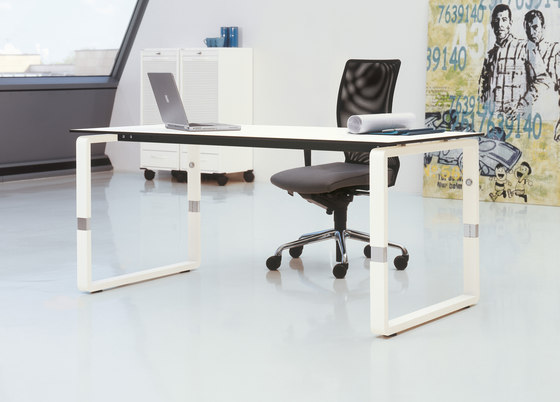 Pensum by PALMBERG | Individual desks