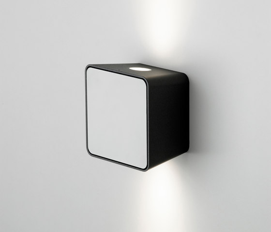 Lab 2 Black White by Marset | Spotlights