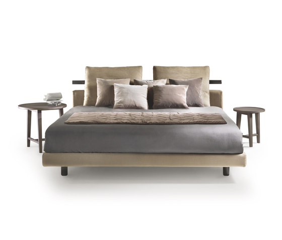 Patrik Bed de Flexform | Camas dobles