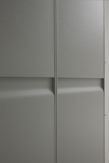 Senzafine Capri wardrobe by Poliform | Built-in cupboards