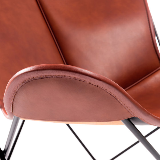 Hardoy Butterfly Chair Blank-Leder Cognac by Manufakturplus | Lounge chairs