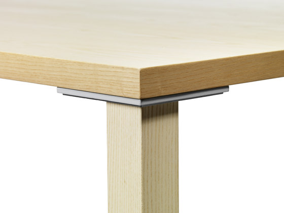 Akustik table by Gärsnäs | Canteen tables