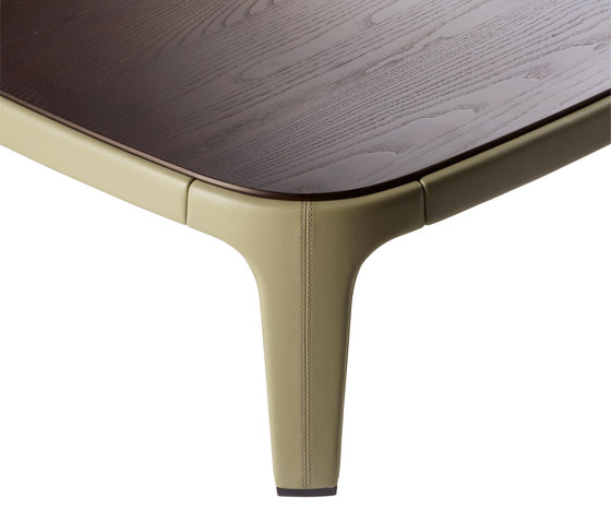 Ela by Poltrona Frau | Coffee tables