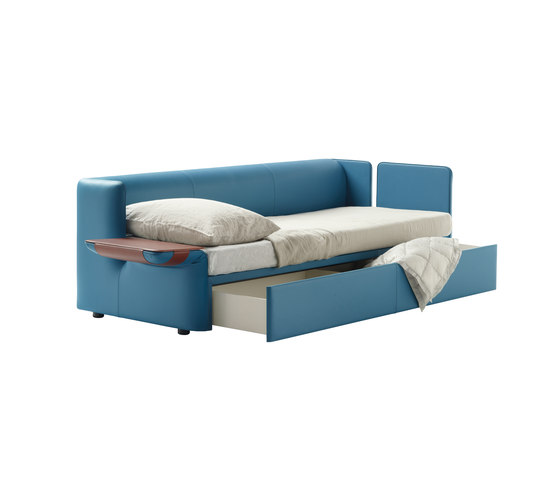 Naidei by Poltrona Frau | Sofa beds
