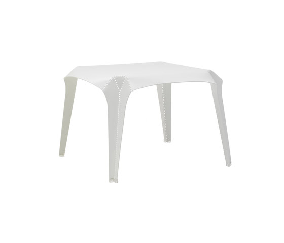 NOM Coffee Table de Cappellini | Mesas de centro