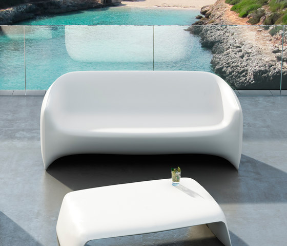Blow sofa by Vondom | Garden sofas