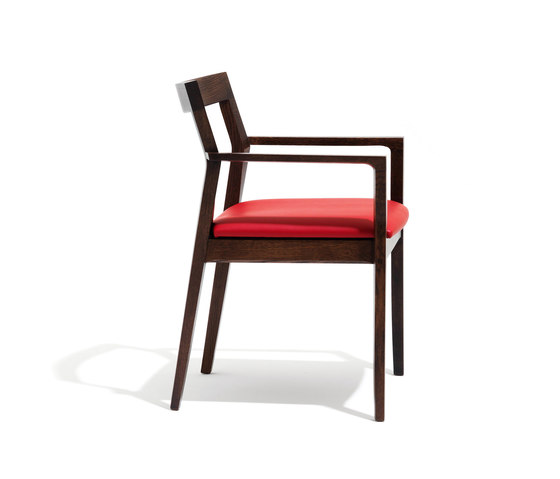 Krusin Side Chair by Knoll International | Restaurant chairs