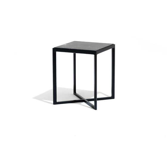 Krusin Low Tables de Knoll International | Mesas auxiliares